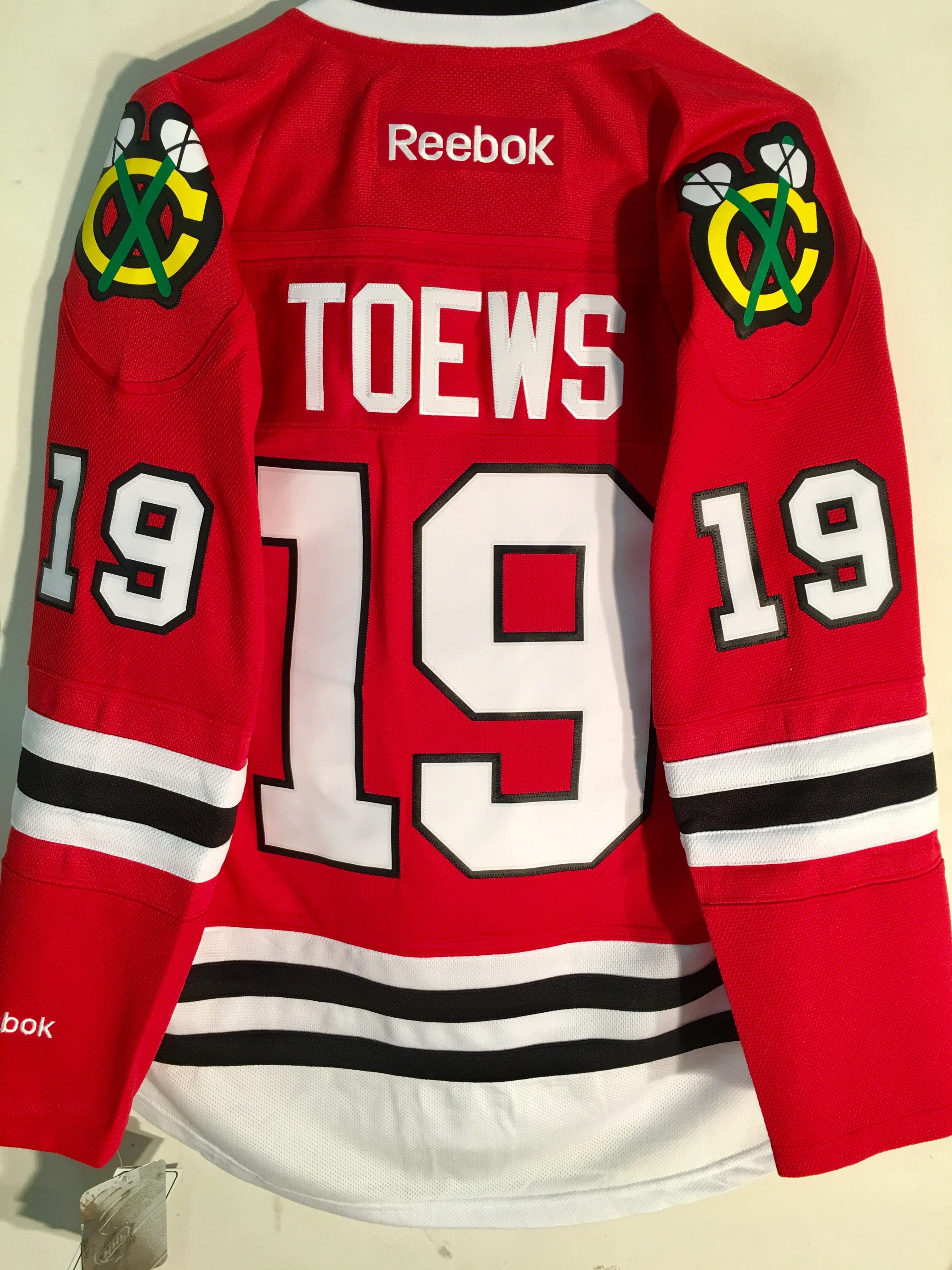 f99437a831d Image is loading Reebok-Premier-NHL-Jersey-Chicago-Blackhawks-Jonathan-Toews -