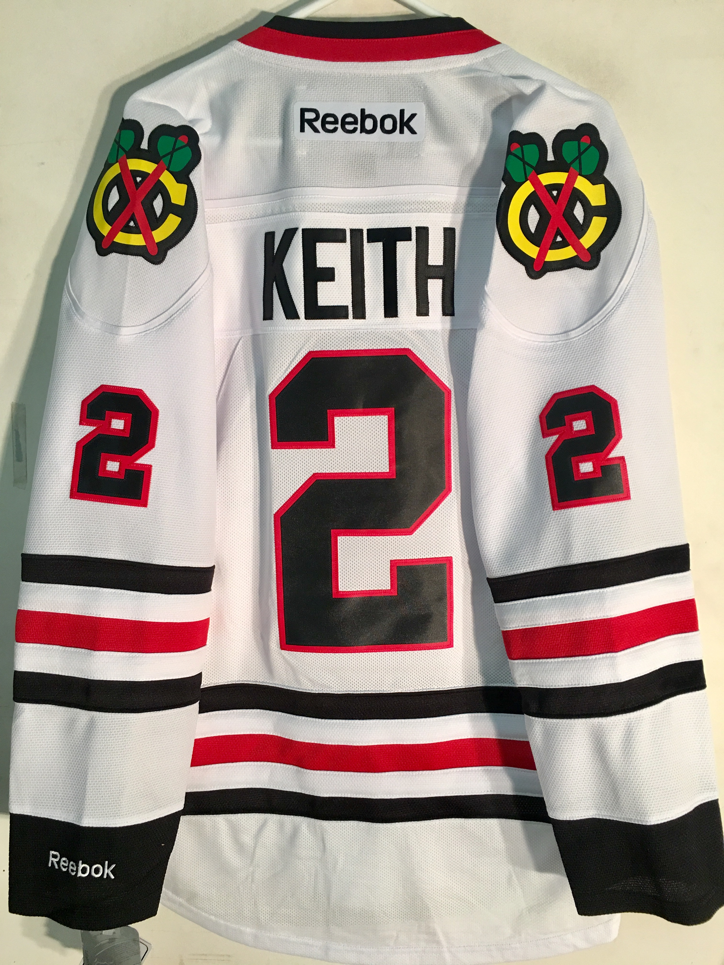 f1d575373 Reebok Premier NHL Jersey Chicago Blackhawks Duncan Keith White sz S