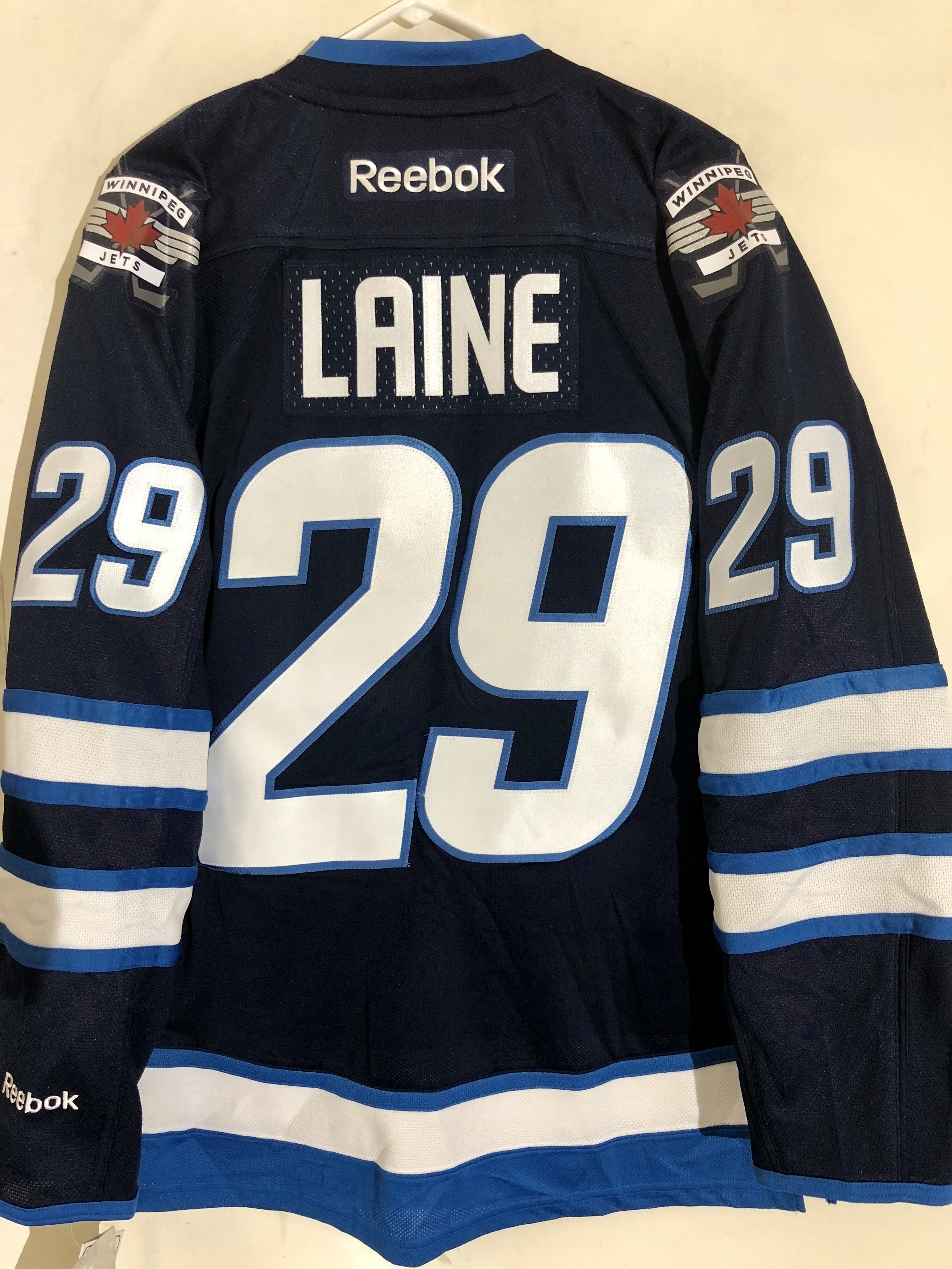 Reebok Premier NHL Jersey Winnipeg Jets Patrik Laine Navy sz S  5754e6644