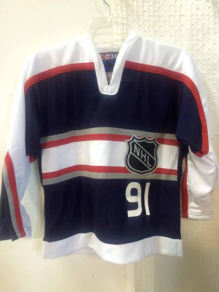 0e4dfbccc7e Reebok Youth NHL Jersey Colorado Avalanche Joe Sakic Navy CCM sz S/M ...